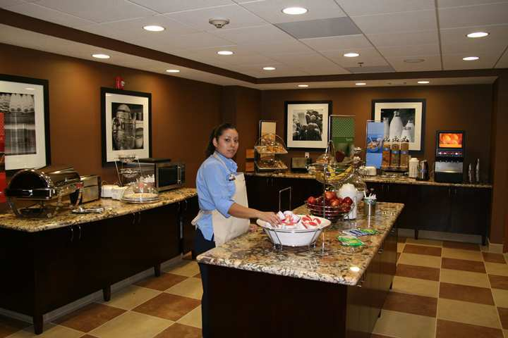 Hotel Hampton Inn And Suites Bakersfield