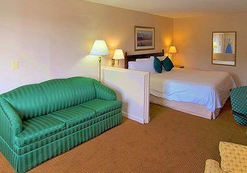 Hotel Econo Lodge Inn & Suites At Ft. Benning