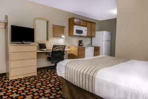 Hotel Suburban Extended Stay Northeast