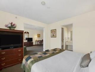 Hotel Wingate By Wyndham-indianapolis Airport