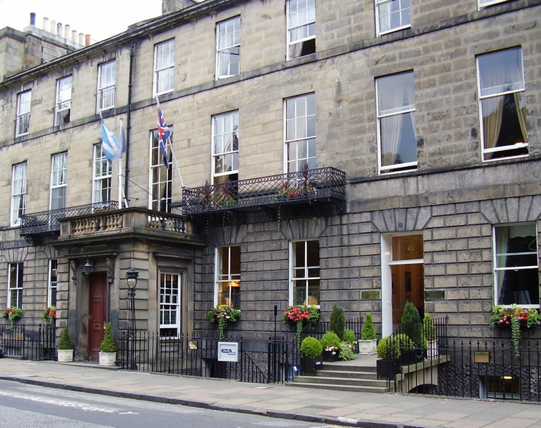 Hotel The Royal Scots Club