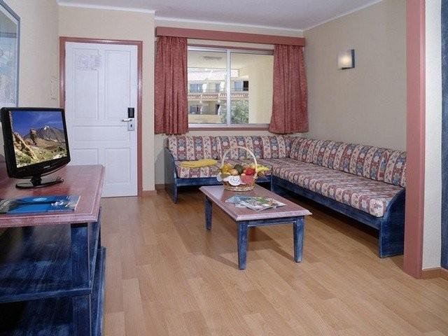 Hotel hovima jardin caleta apts la caleta tenerife for Apartamentos hovima jardin caleta