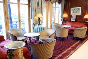 Hotel Elysees Ceramic
