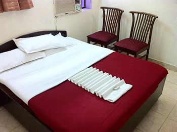 Hotel Red Palms Residency
