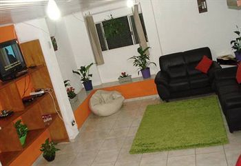 Apartamentos Your Place Hostel