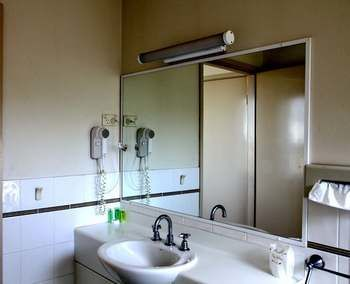 Hotel Best Western Travellers Motor Village