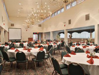 Hotel Ramada Amherst Conference Center
