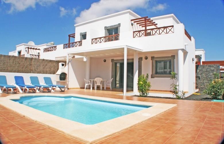 Viviendas turisticas lanzarote green villas playa blanca lanzarote lanzarote - Villas en lanzarote con piscina privada ...