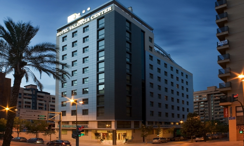 Hotel valencia center valencia for Top design hotels valencia