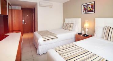 Real Colonia Hotel And Suites