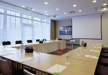 Hotel Courtyard By Marriott Hannover Maschsee