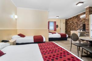 Hotel Country Comfort Launceston Coach House