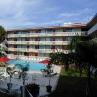 Magnuson Hotel Clearwater Beach (x Red Roof)