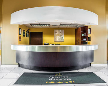 Hotel Quality Inn Grand Suites
