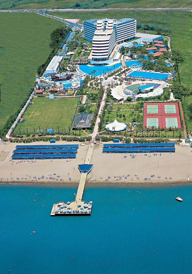 Titanic Beach & Resort De Luxe Hotel