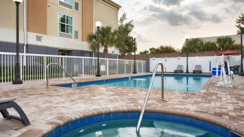 Hotel Best Western Plus Chain Of Lakes Inn & Suites