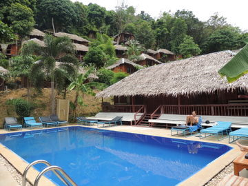 Hotel Bamboo Mountain View Resort