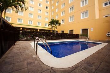 Hotel Holiday Inn Santa Elena