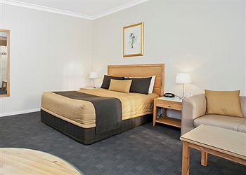 Quality Hotel Sherbourne Terrac