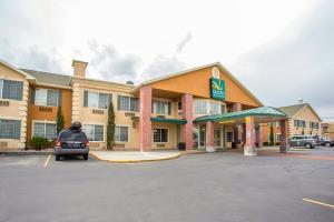 Hotel Quality Inn & Suites Airport West