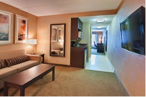 Holiday Inn Express Hotel & Suites Kingston - Standard Cb