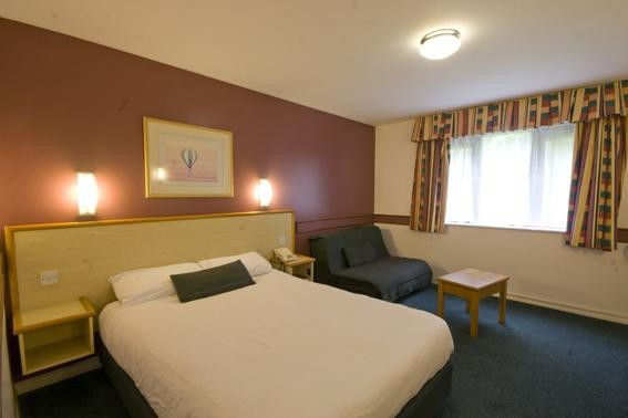 Hotel Days Inn Bristol M5