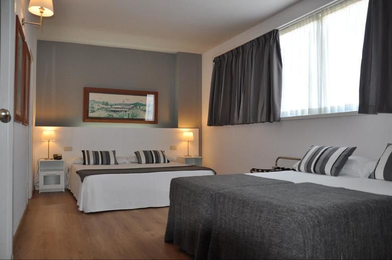 Aparthotel atenea barcelona barcelona for Appart hotel 08028
