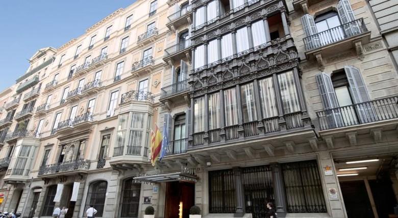 hotel catalonia plaza catalua barcelona. Black Bedroom Furniture Sets. Home Design Ideas