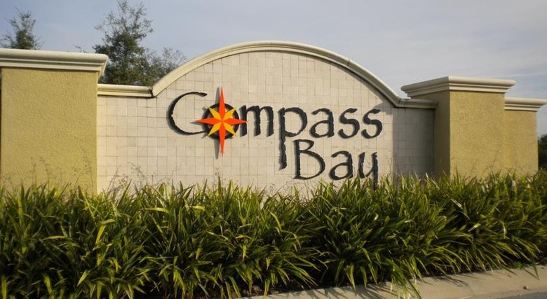 Hotel Compass Bay Homes