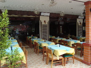 Hotel Outdoor Inn & Restaurant Kata Beach