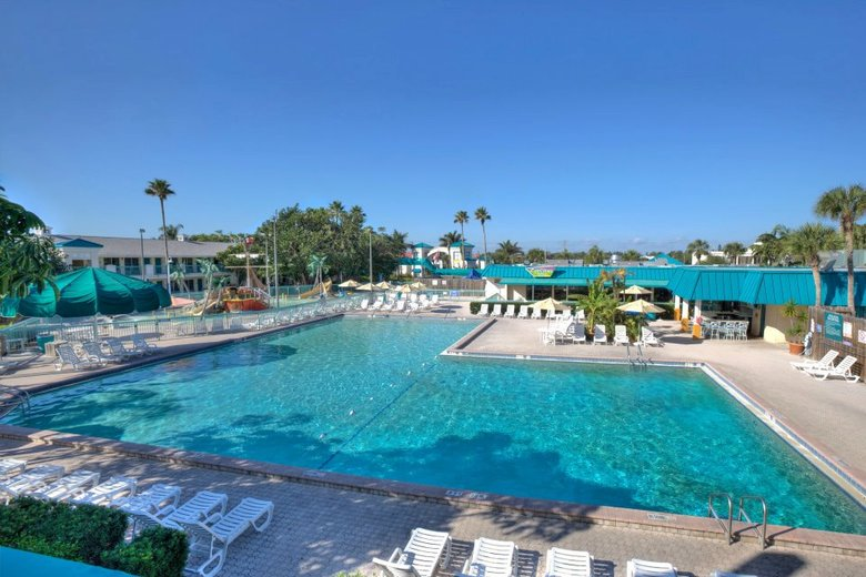 Hotel International Palms Resort And Conference Center