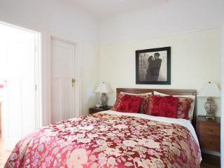 Hotel Adeline Bed And Breakfast