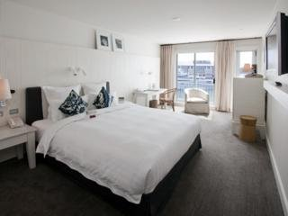 Hotel Pier One Sydney Harbour