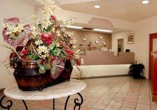 Hotel Baronne Inn And Suites
