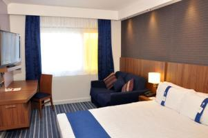 Hotel Holiday Inn Express Chester Racecourse(.)