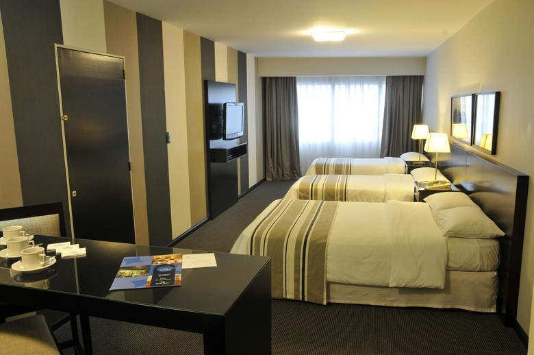 Hotel Plaza Real Suites