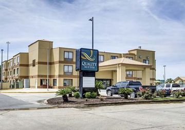 Hotel Quality Suites Bluebonnet Center