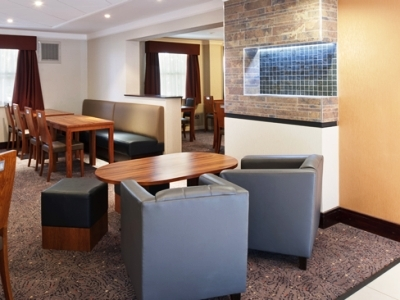 Hotel Express By Holiday Inn Leeds East