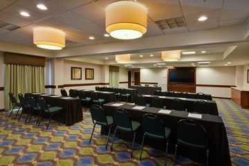 Holiday Inn Express Hotel & Suites Oldsmar