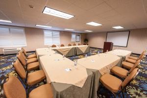 Holiday Inn Express Hotel & Suites Paso Robles