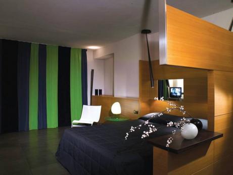 hotel zone roma. Black Bedroom Furniture Sets. Home Design Ideas