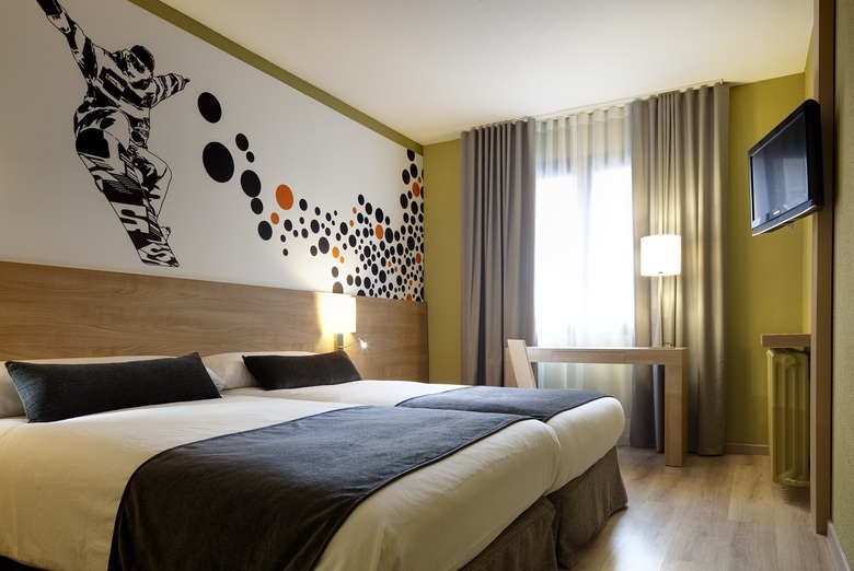 Hotel sporting pas de la casa andorra for Habitaciones familiares andorra
