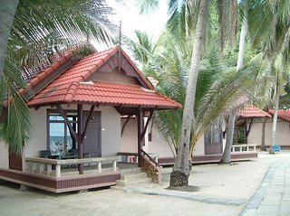 Hotel First Bungalow Beach Resort(beach Bnglw)