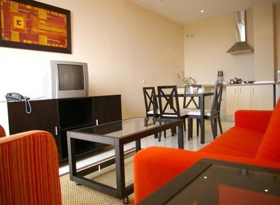 Apartamentos lux sevilla bormujos sevilla - Apartamentos lux sevilla este ...