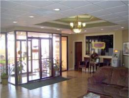Hotel Baymont Inn And Suites Midland Airport