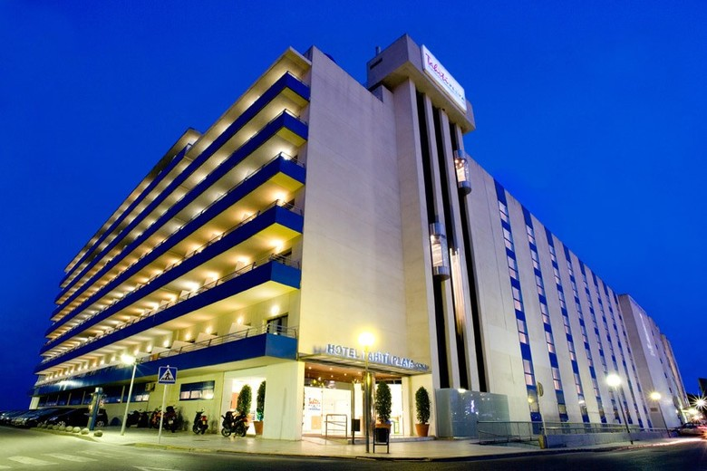 Hotel tahiti playa santa susanna barcelona for Buscador de hoteles en barcelona