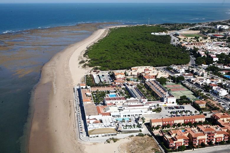 hotel playa ballena rota:
