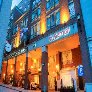 Hotel Marriott Springhill Suites Old Montreal