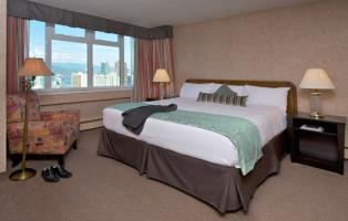 Coast Plaza Hotel & Suites - 2