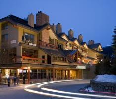 Hotel Whistler Village Inn & Suites